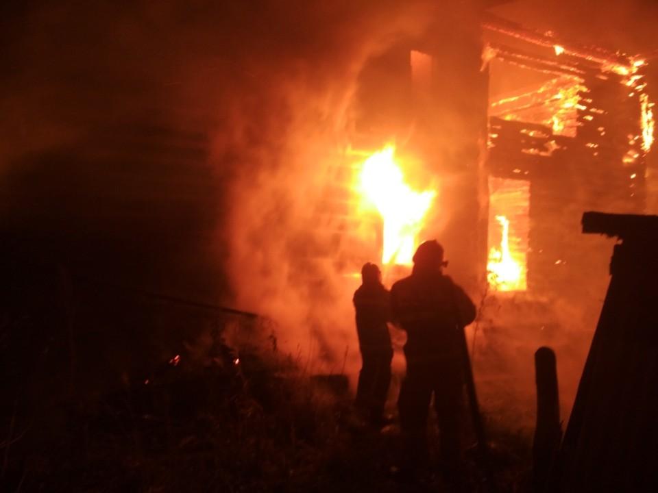 Площадь пожара составила 150 квадратных метров. Фото пресс-службы МЧС России по Владимирской области.