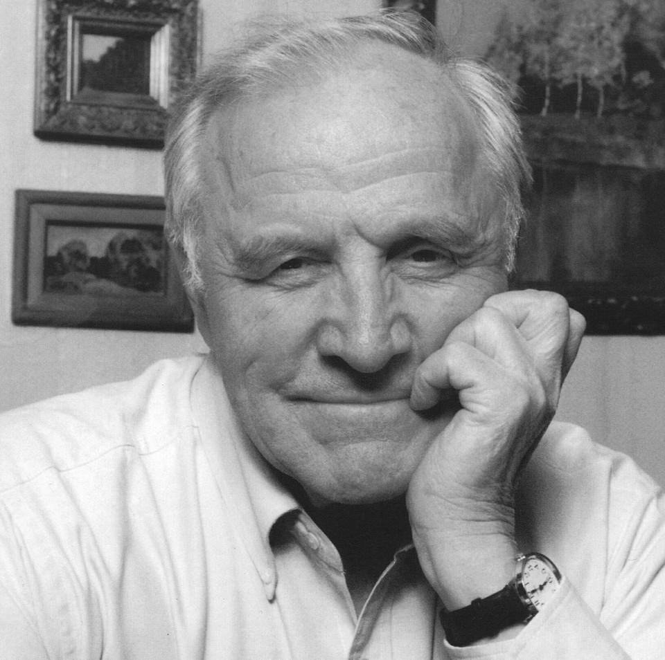 Сегодня Михаилу Александровичу исполнилось бы 93 года. Фото: Омский академический театр драмы