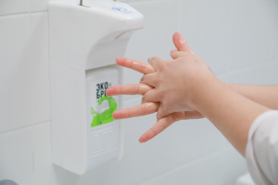 Антисептик для рук можно употреблять только для обработки рук!