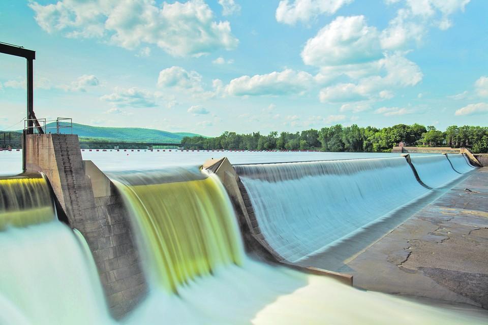 Реки и озера нашей страны, которых насчитывается более 5,5 миллиона, нуждаются в постоянной заботе и сохранении.