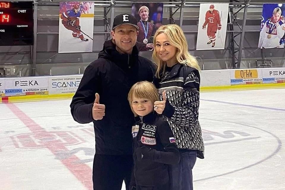 Яна Рудковская и Евгений Плющенко хотят наказания для заявившего о заболевании Саши Плющенко телеграмм-канала
