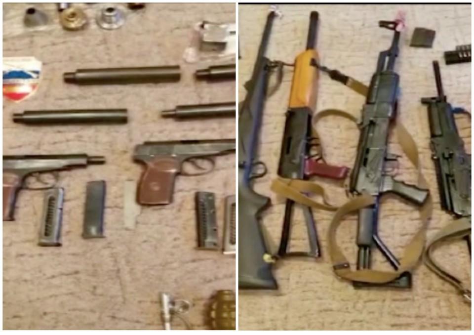 Сотрудники ФСБ изъяли 127 единиц оружия, 171 гранату и 15 кг тротила и пороха. Фото: кадр из видео Пресс-служба УФСБ России по Челябинской области