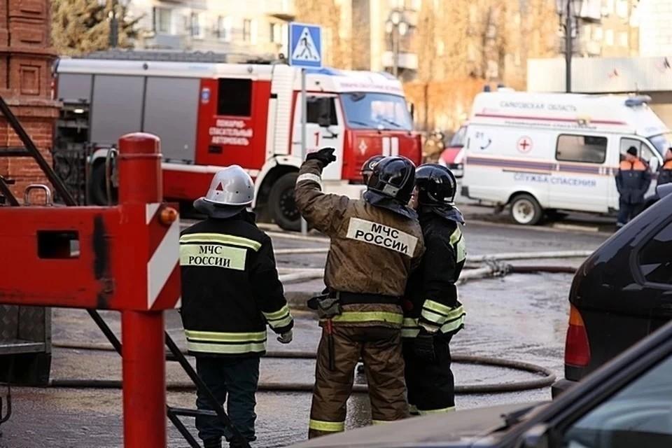 В Дагестане спасатели возобновили тушение горящей больше месяца нефтескважины