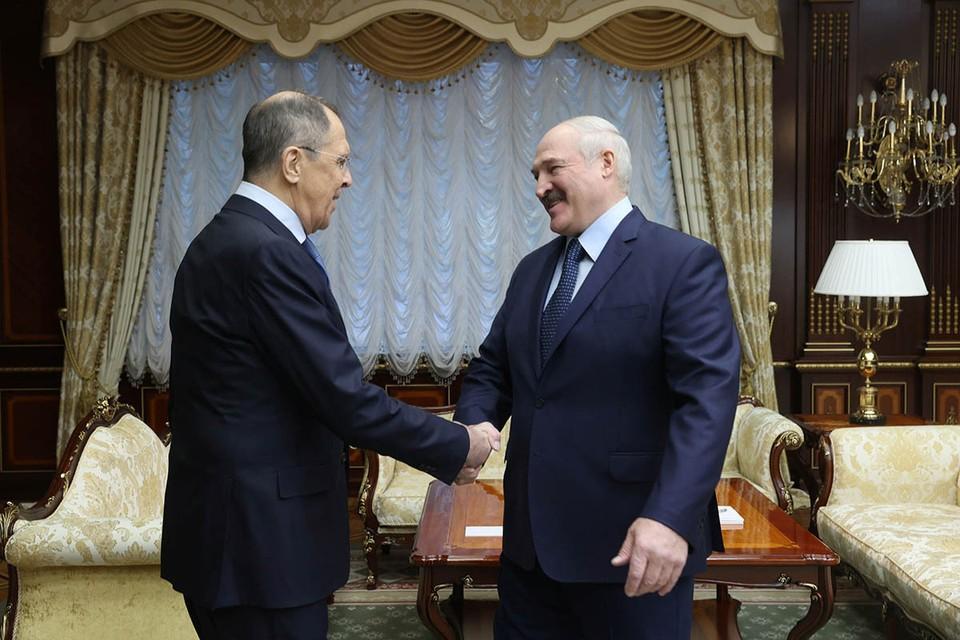 В Минск с визитом прибыл министр иностранных дел РФ