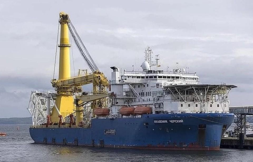 Российское судно-трубоукладчик «Академик Черский»