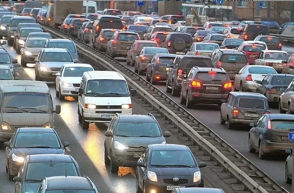 Пробки Черной пятницы сковали Москву