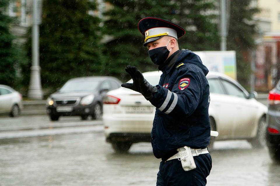 Пошел на антирекорд: в Москве гаишники поймали водителя, который накопил штрафов на миллион рублей