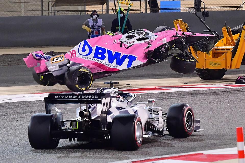 Трудно сказать, кто был больше виноват в этом столкновении, но впереди был Строл, так что Квяту еще во время гонки влепили 10-секундный штраф.