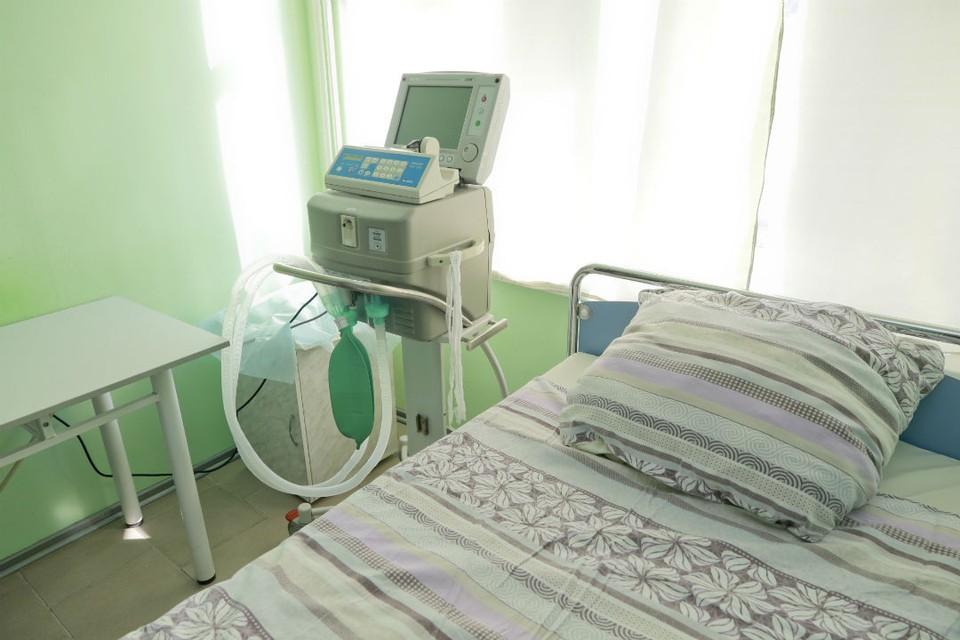 На лечении в инфекционных госпиталях сейчас находится 4104 пациента.