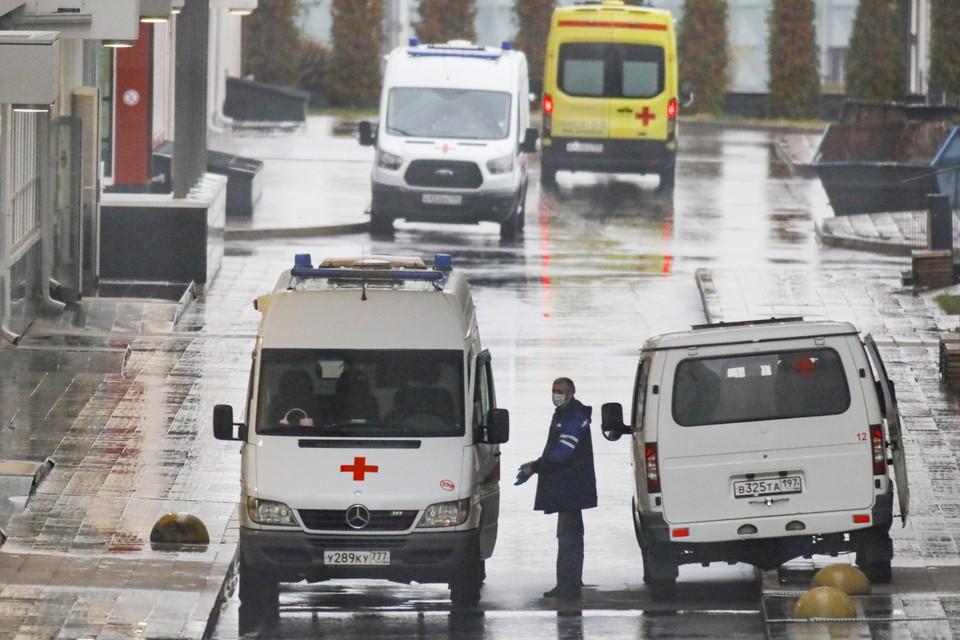 В Москве за сутки выявлено 6 524 заболевших, скончались 76 пациентов, по выздоровлению выписаны 6 225 человек
