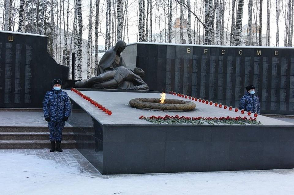 В Югре прошли мероприятия, посвященным Дню Неизвестного солдата Фото: Управление общественных связей