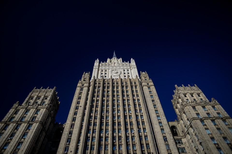 Россия обеспокоена наращиванием сил НАТО в Черном море, сообщила Захарова