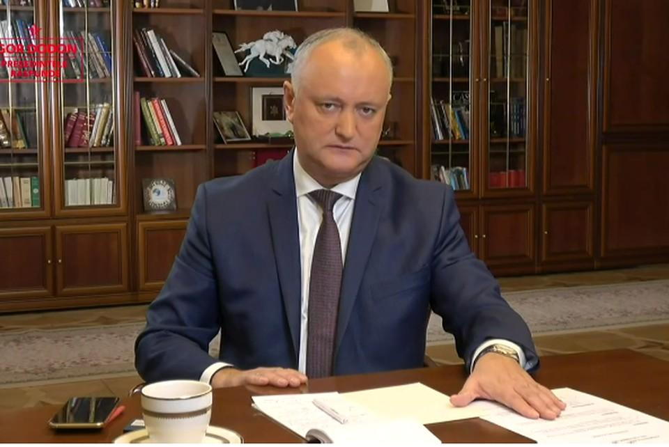 Игорь Додон призвал Майю Санду отказаться от проведения протестов.