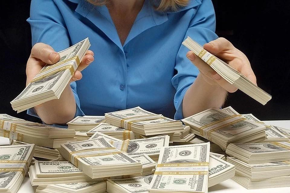 Аналитик спрогнозировала, как будет меняться курс доллара в декабре