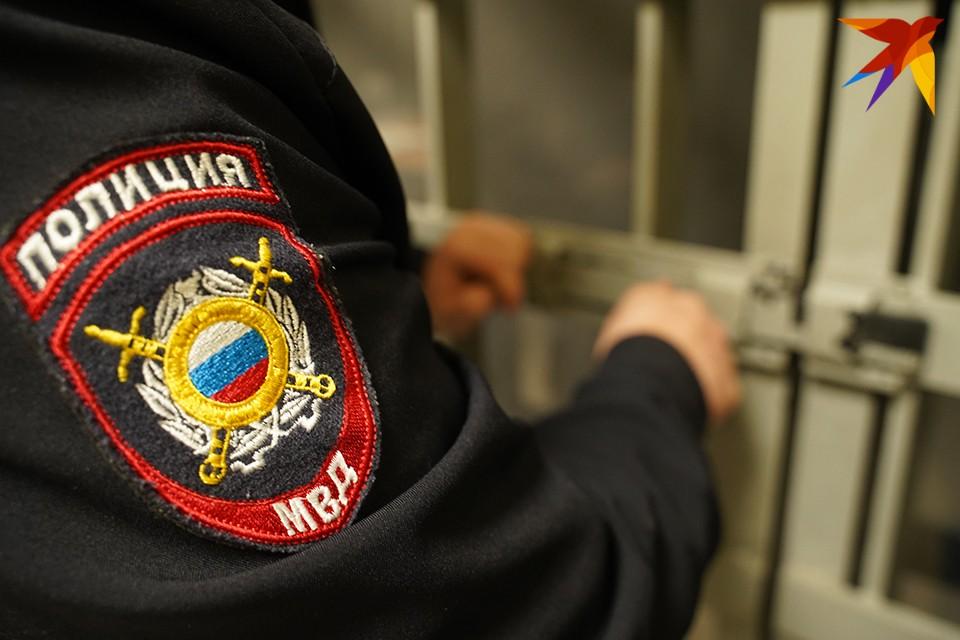 Росгвардейцы задержали мужчину и доставили в отдел полиции.