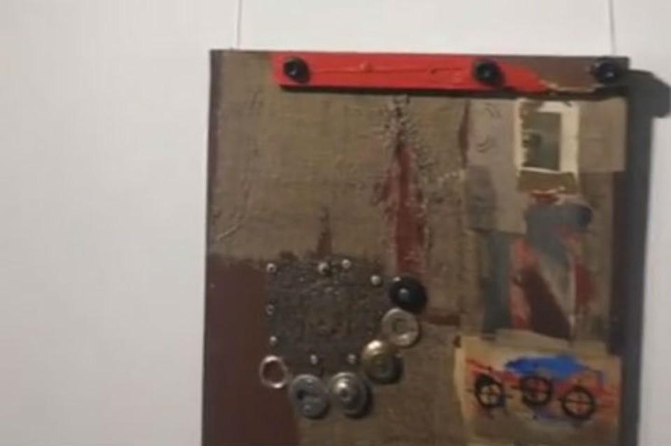 «Путь кого-нибудь»: в Воронеже с успехом прошла выставка картин из мусора. Фото: кадр с видеоэкскурсии.