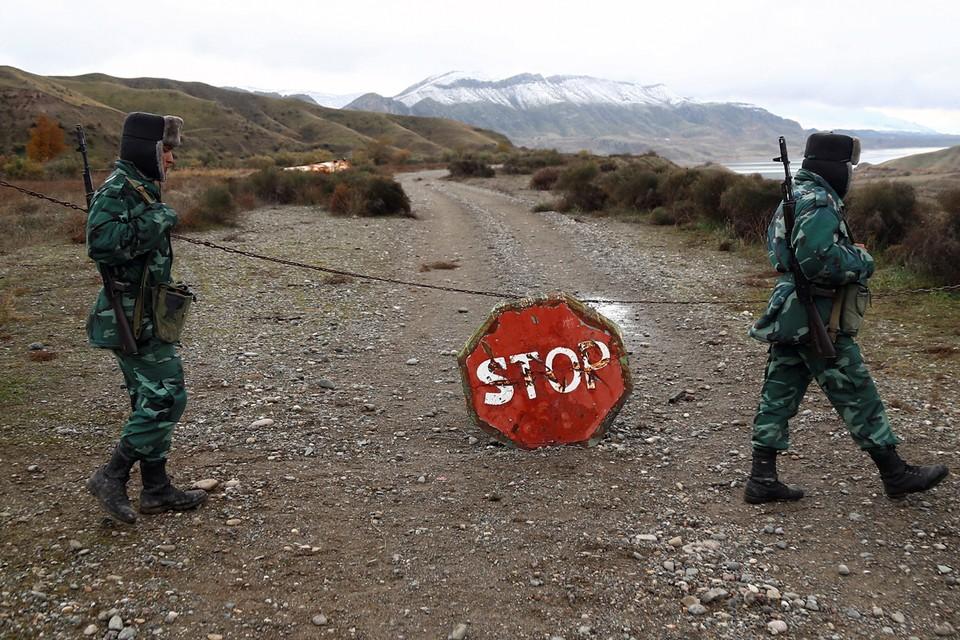 Сюникский район находится под угрозой. Если раньше азербайджанские военные были от населенных пунктов этой области далеко — за 200 километров, то сейчас буквально в 3 километрах