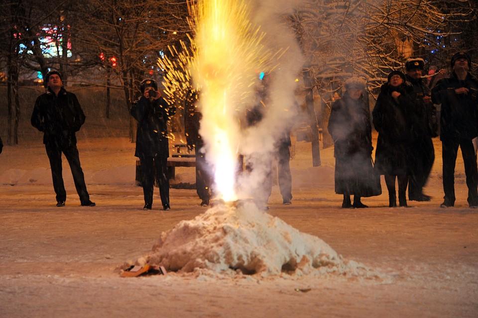 Больше всего россиян бесят взрывы петард и фейерверков