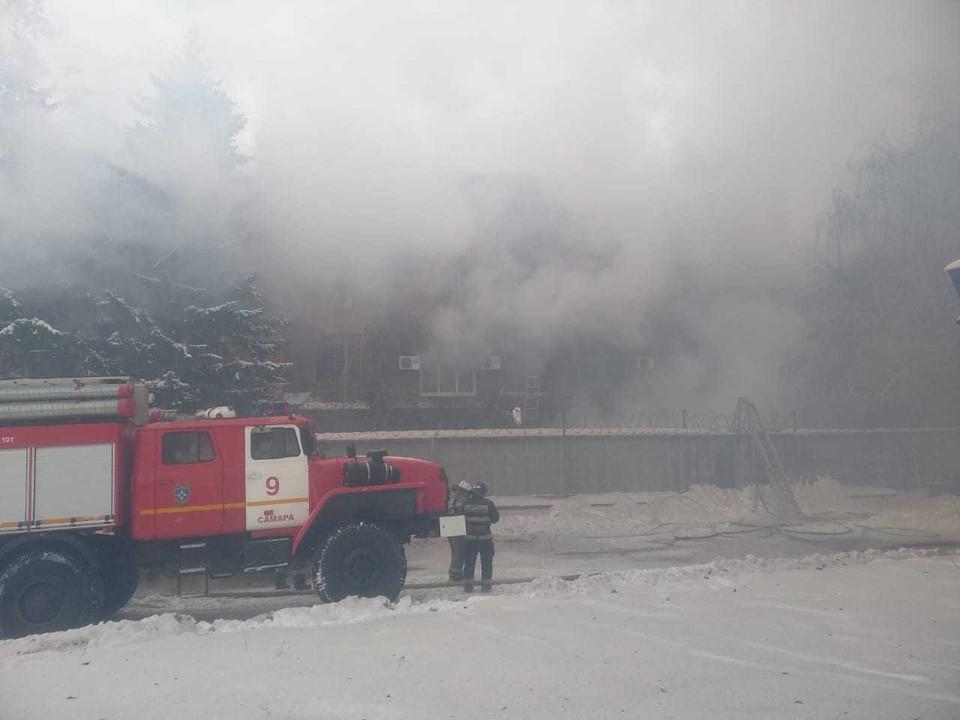 Ликвидация пожара в Самарском подшипниковом заводе продолжается