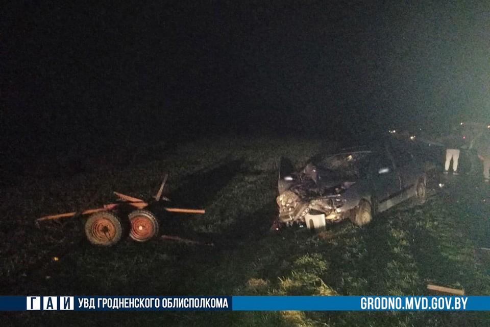 Автомобиль столкнулся с гужевой повозкой, возница в коме. Фото: ГАИ Гродно.