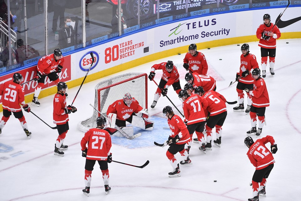 Канадцы победили российскую команду 5:0 в полуфинале МЧМ-2021.