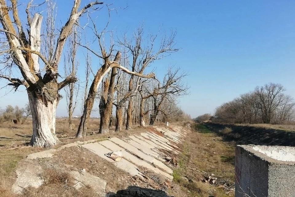 Северо-крымский канал Украина перекрыла весной 2014 года
