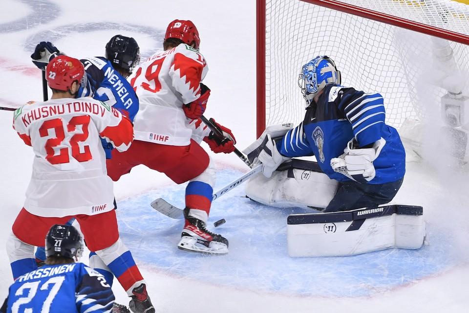 Василий Подколзин не помог команде в важной игре против Финляндии.