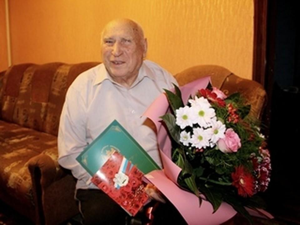 Почетный гражданин Валуйского округа Данил Одинцов отметил 97-й день рождения. Фото пресс-службы администрации Валуйского городского округа