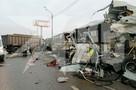 Грузовик протаранил колонну военных автобусов на Новой Риге