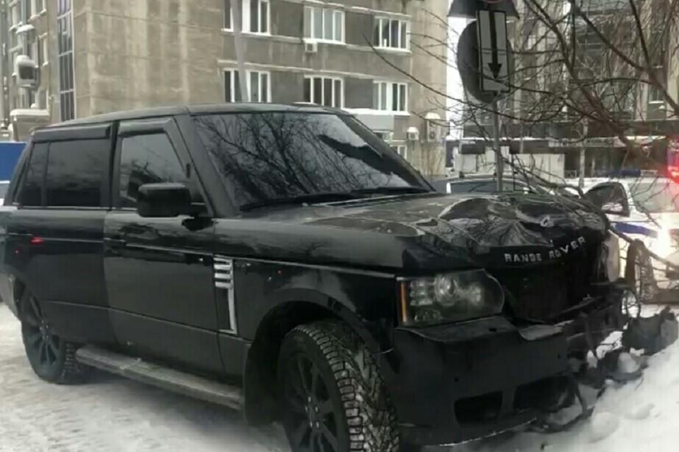 Мужчина на внедорожнике насмерть сбил женщину, которая переходила дорогу. Фото: ГИБДД по Новосибирску.