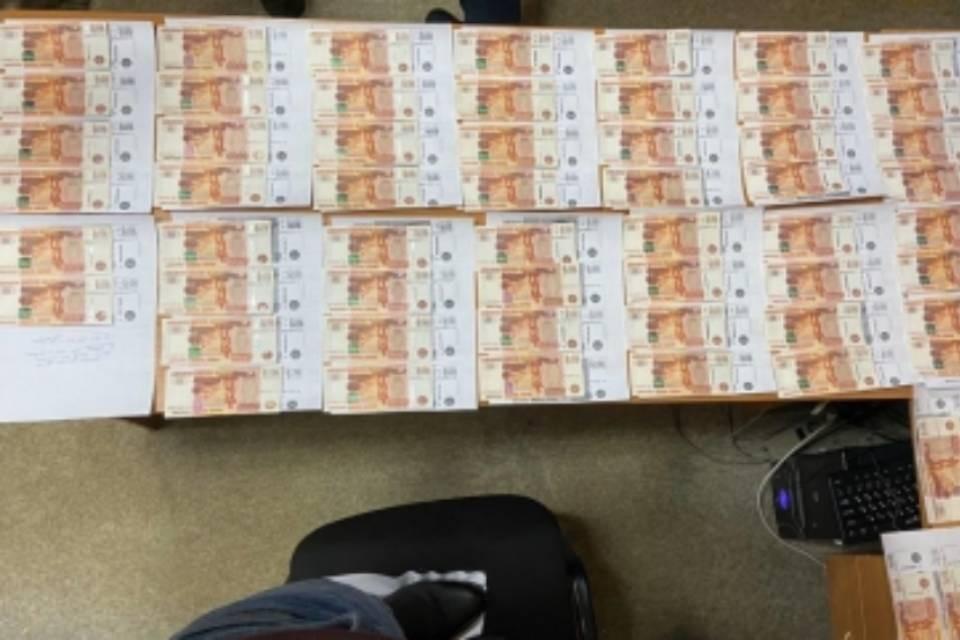 Экс-руководитель успел получить 350 тысяч рублей. Фото: СКР по Мурманской области