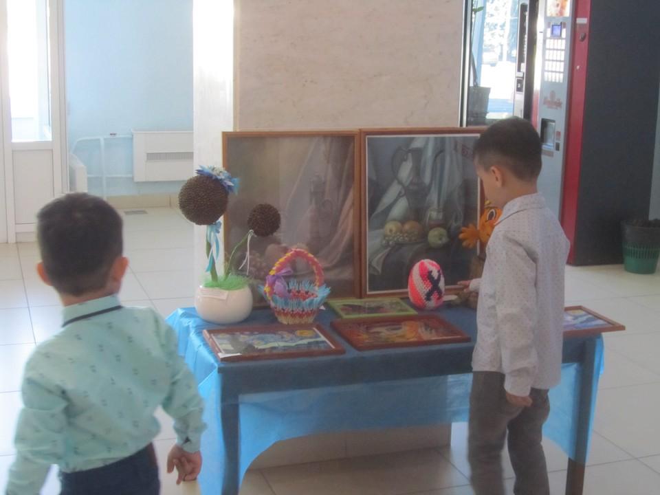 Школы, где проходят групповые занятия, продолжат обучение в дистанционном режиме