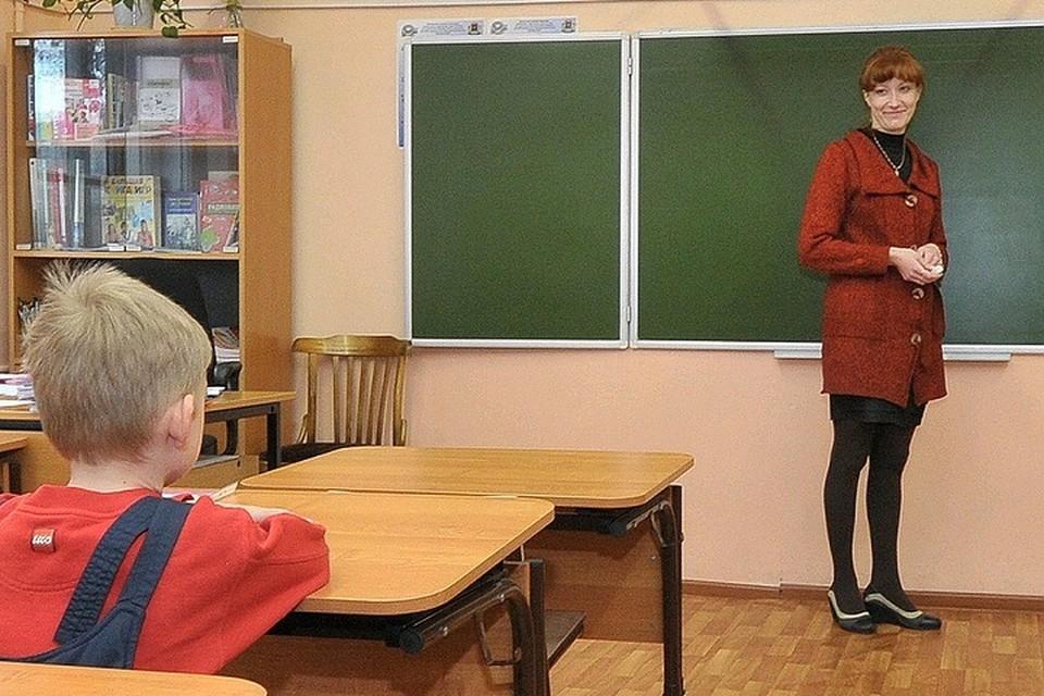 На данный момент в Татарстане нет классов на так называемом разобщении из-за инфекции, обучение в школах идет в очной форме.