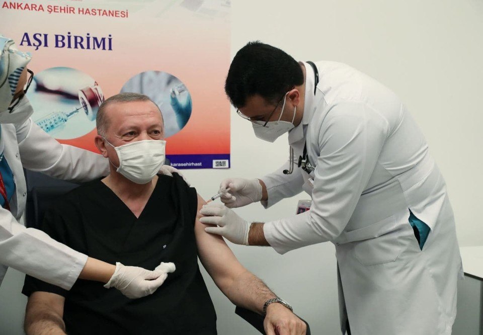 Эрдоган сделал прививку от коронавируса. Фото: Telegram-канал Эрдогана