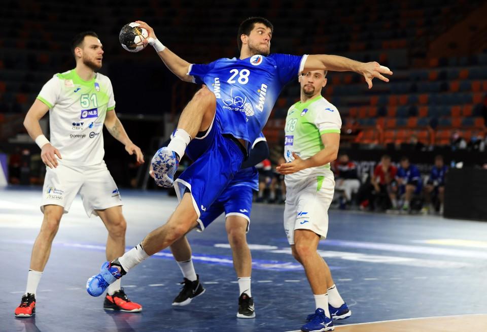 Сборная России по гандболу вышла в основной этап ЧМ-2021