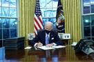 Байден въехал в Белый дом и первым делом отменил ряд указов Трампа