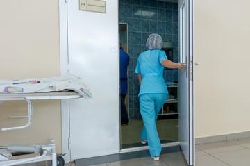 «Может уйти из поликлиники»: Педиатр, которую облили из перцового баллончика за отказ в импортной прививке, стала хуже видеть