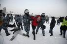 Задержания участников несанкционированной акции у Драмтеатра в Екатеринбурге: как это было