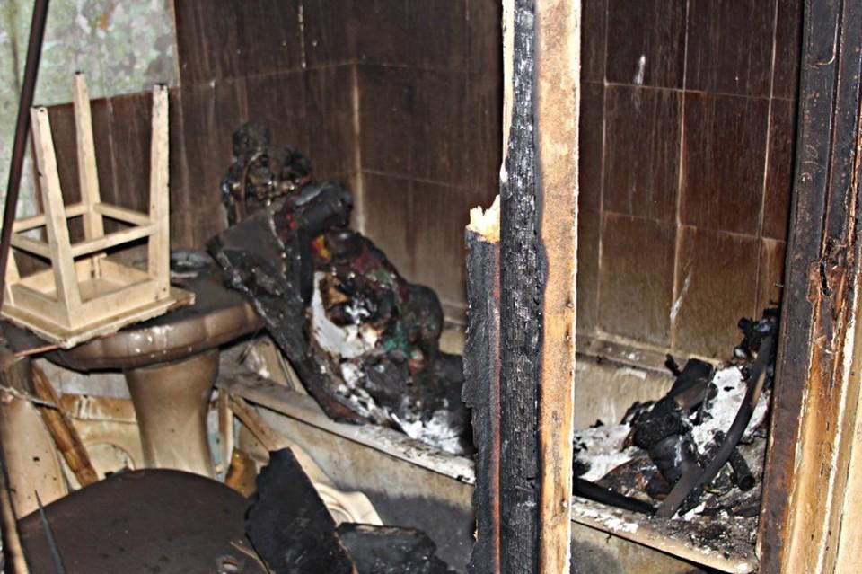 В результате пожара пострадала ванная комната