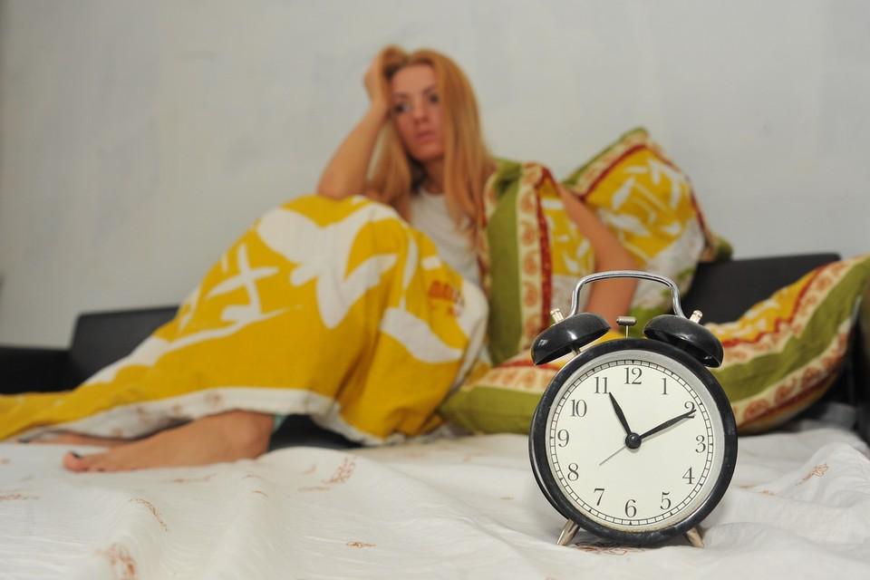 Переболевшие коронавирусом мечтают выспаться, но «побочка» им мешает.