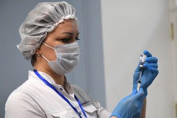 Когда начинает работать иммунитет против коронавируса после прививки и есть ли вакцины для детей