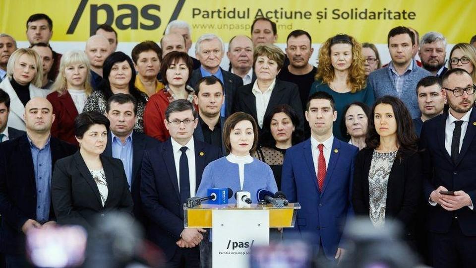И ведь никто не говорит, что в Молдове всем колхозом после выборов идут руководить государством. Фото: соцсети