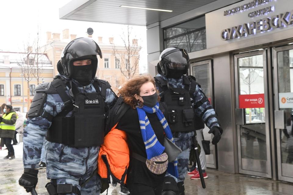 Полиция на акциях протеста порой не отличает правых от виноватых