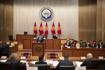 Премьер-министром Кыргызстана стал экс-глава Счетной палаты Улукбек Марипов