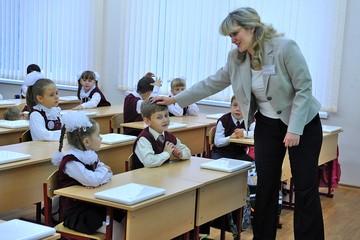 Учителю недостаточно давать знания, как в СССР. Нужно уметь общаться