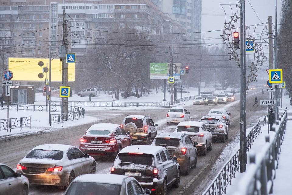 Власти пытаются решить проблему пробок, в которых простаивает общественный транспорт
