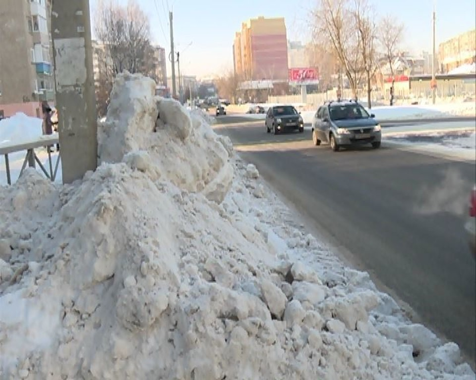 За качеством уборки дорог в Омске следят в ГИБДД. Фото: пресс-служба Госавтоинспекции по Омской области