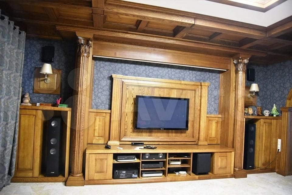 В Кемерове продается родовое гнездо с кинотеатром за 45 миллионов рублей. Фото: Avito