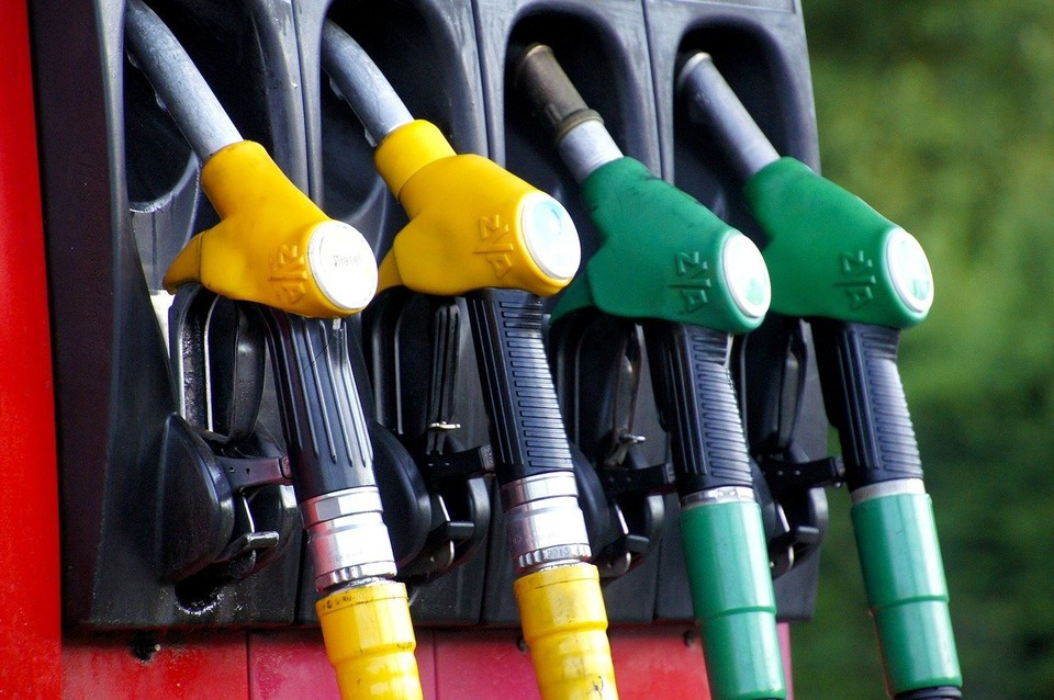 Бензин АИ-95 прибудет из Омска. Фото: pixabay.com