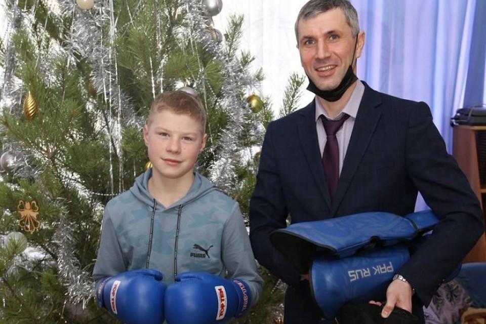 Мечты детей исполнились в Хабаровском крае с помощью «Елки желаний»